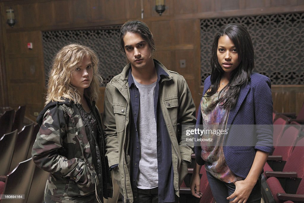 TWISTED - 'Pilot' - 'Twisted' (formerly 'Socio') is a one-hour mystery full of twists and turns that is centered on a charismatic 16-year-old with a troubled past who recently reconnected with his two female best friends from childhood. He becomes the prime suspect when a fellow student is surprisingly found dead in her home. BUNBURY