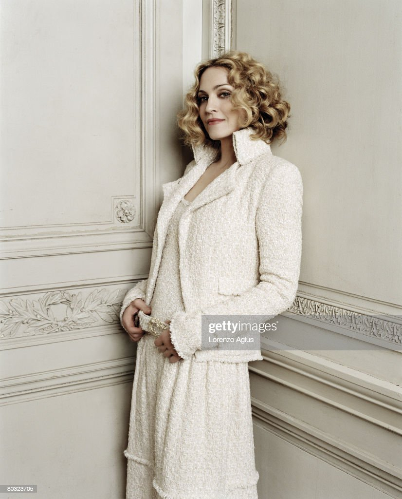 Singer and Actor <a gi-track='captionPersonalityLinkClicked' href=/galleries/search?phrase=Madonna+-+Cantora&family=editorial&specificpeople=156408 ng-click='$event.stopPropagation()'>Madonna</a> poses for a portrait shoot in London.