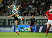 Pinilla of Sporting scores the second goal during The first leg of the UEFA Cup SemiFinal match between Sporting Lisbon and AZ Alkmaar held at the...