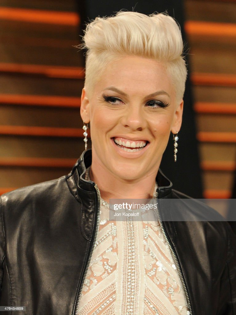 Pink attends the 2014 Vanity Fair Oscar Party hosted by Graydon Carter on March 2, 2014 in West Hollywood, California.