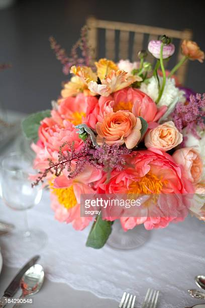 Rosa Blumenmuster Tisch Zentrum