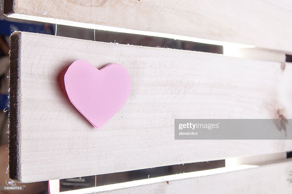 Pink paper Saint Valentines hearts : Bildbanksbilder