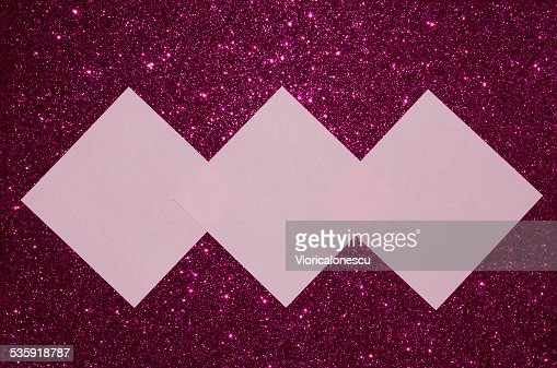 Pink reminder notes on purple glitter background : Stock Photo