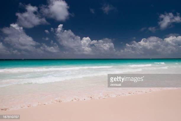 Rosa arenas de la playa