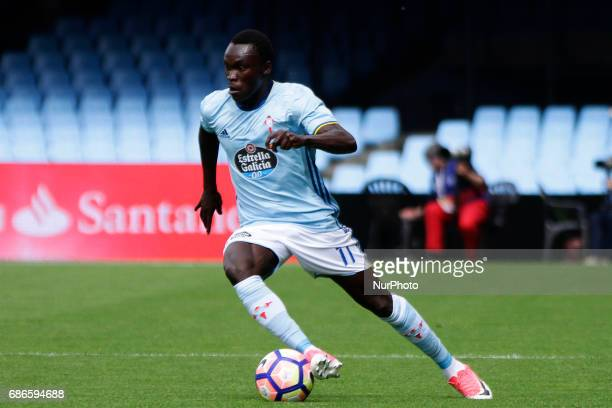 Pione Sisto forward of Celta de Vigo drives the ball during the La Liga Santander match between Celta de Vigo and Real Sociedad de Futbol at Balaidos...