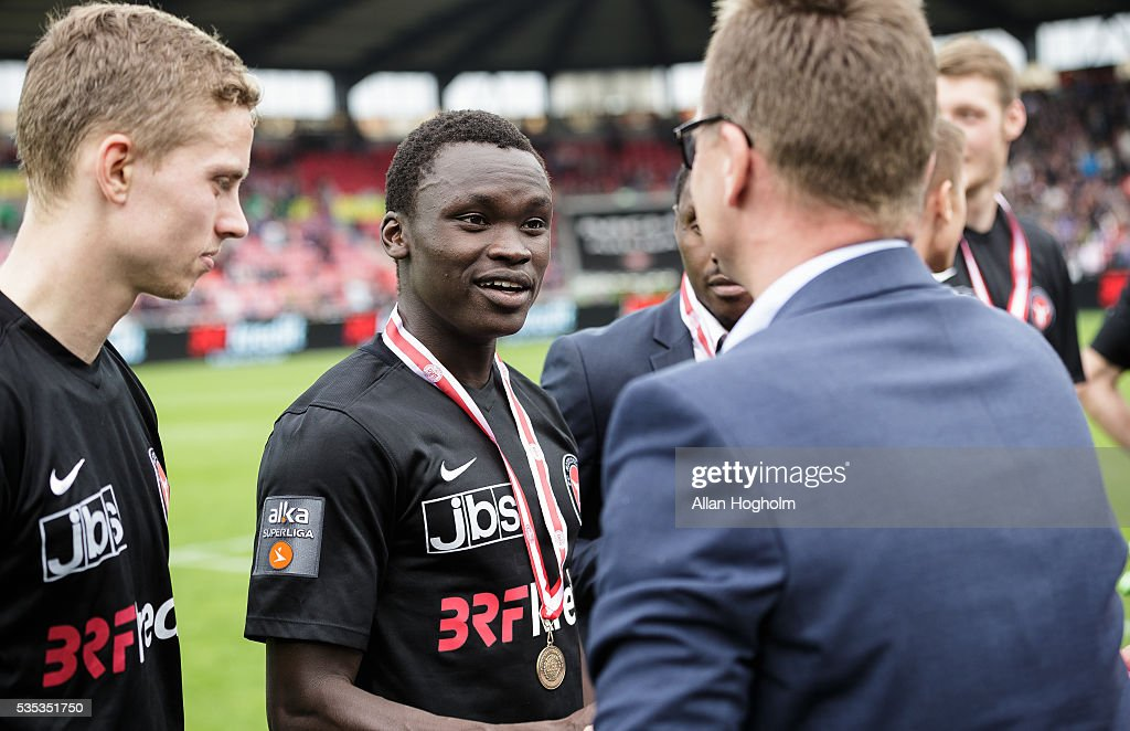 Pione Sisto of FC Midtjylland receving bronze medel after the Danish Alka Superliga match between FC Midtjylland and FC Nordsjalland at MCH Arena on May 29, 2016 in Herning, Denmark.