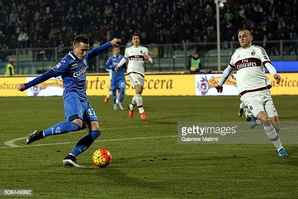 Piotr Zielinski of Empoli FC scores a goal during the Serie A match between Empoli FC and AC Milan at Stadio Carlo Castellani on January 23 2016 in...