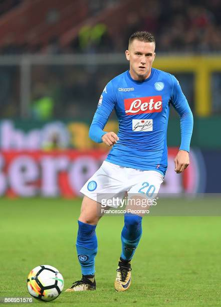 Piotr Zielinski of SSC Napoli in action during the Serie A match between Genoa CFC and SSC Napoli at Stadio Luigi Ferraris on October 25 2017 in...
