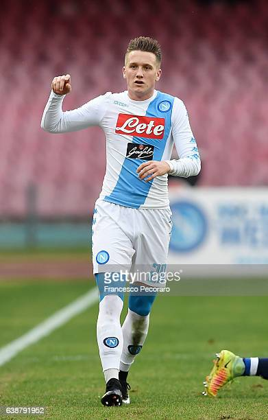 Piotr Zielinski of SSC Napoli in action during the Serie A match between SSC Napoli and Pescara Calcio at Stadio San Paolo on January 15 2017 in...