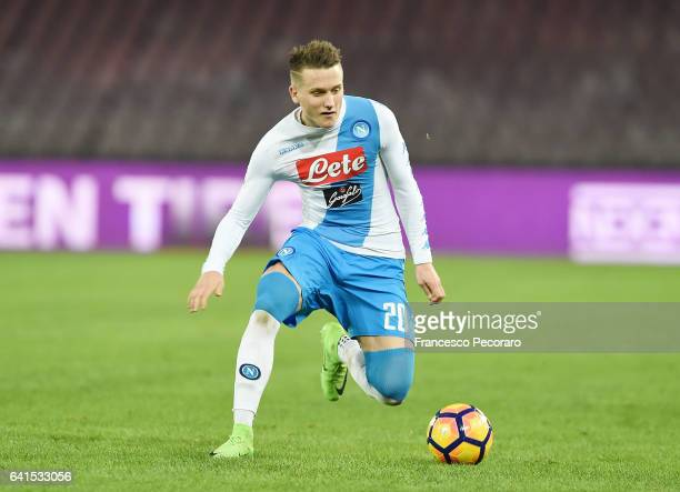 Piotr Zielinski of SSC Napoli in action during the Serie A match between SSC Napoli and Genoa CFC at Stadio San Paolo on February 10 2017 in Naples...