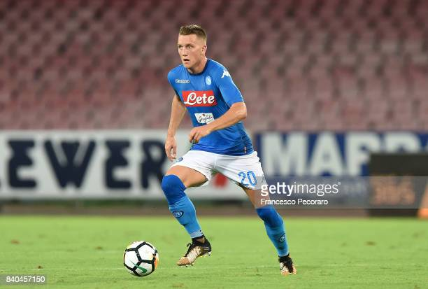 Piotr Zielinski of SSC Napoli in action during the Serie A match between SSC Napoli and Atalanta BC at Stadio San Paolo on August 27 2017 in Naples...