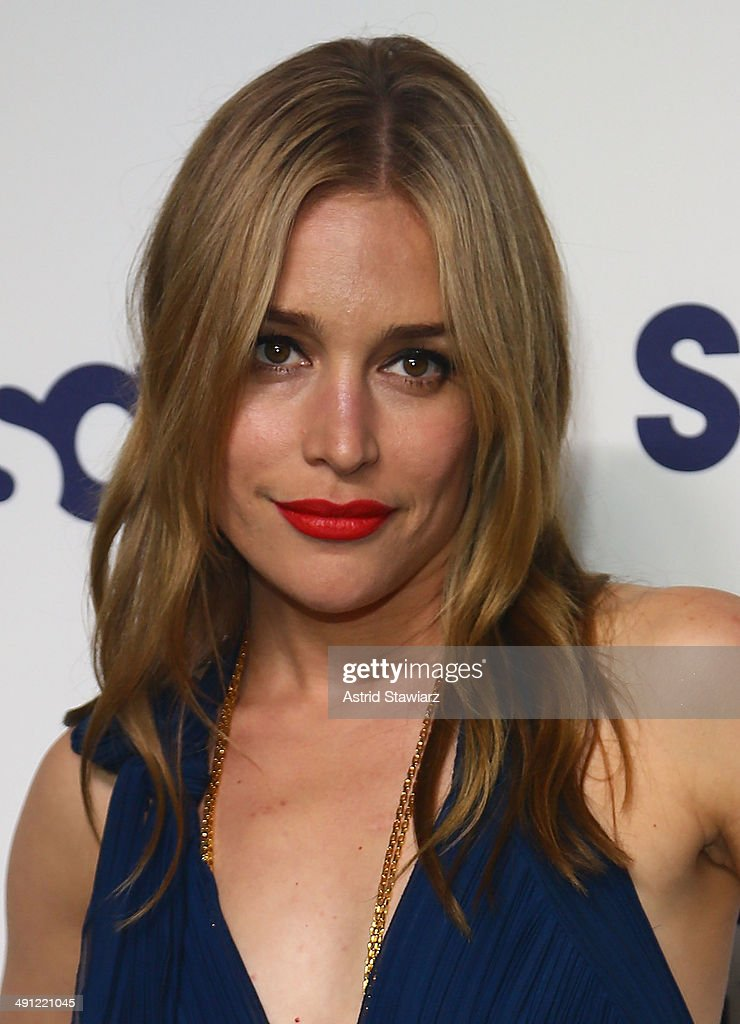 <a gi-track='captionPersonalityLinkClicked' href=/galleries/search?phrase=Piper+Perabo&family=editorial&specificpeople=240107 ng-click='$event.stopPropagation()'>Piper Perabo</a> attends the 2014 NBCUniversal Cable Entertainment Upfronts at The Jacob K. Javits Convention Center on May 15, 2014 in New York City.