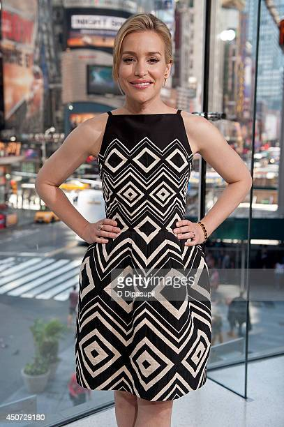Piper Perabo visits 'Extra' at their New York studios at HM in Times Square on June 16 2014 in New York City