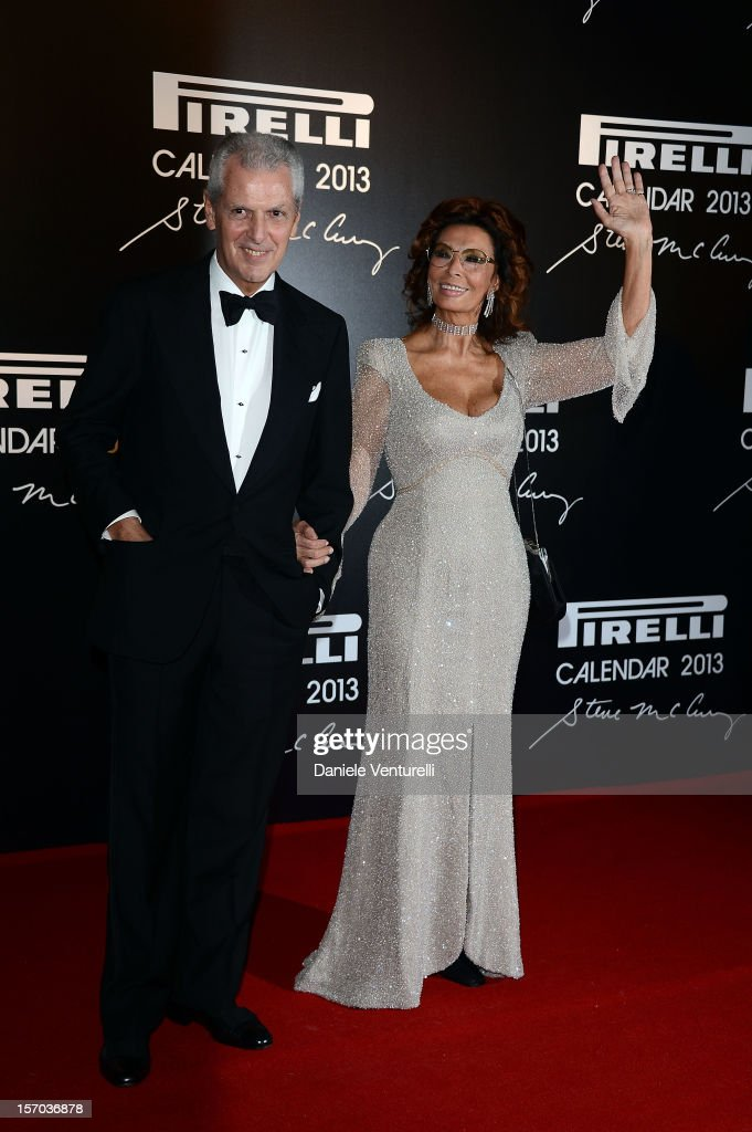 Pirelli & C President Marco Tronchetti Provera and <a gi-track='captionPersonalityLinkClicked' href=/galleries/search?phrase=Sophia+Loren&family=editorial&specificpeople=94097 ng-click='$event.stopPropagation()'>Sophia Loren</a> attend the '2013 Pirelli Calendar Unveiling' on November 27, 2012 in Rio de Janeiro, Brazil.