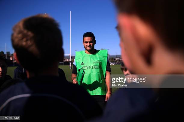 Piri Weepu of the All Blacks speaks to junior rugby players as he attends the New Zealand Rugby APPLAUD Programme Launch at the College Rifles Rugby...