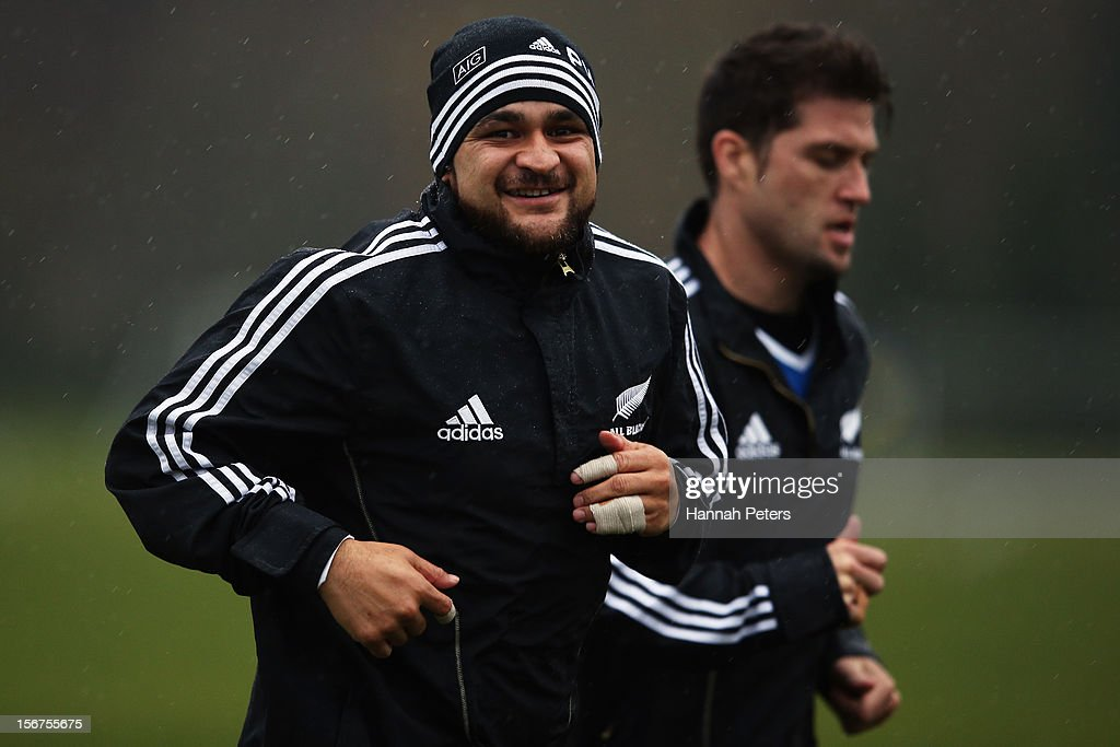 <a gi-track='captionPersonalityLinkClicked' href=/galleries/search?phrase=Piri+Weepu&family=editorial&specificpeople=540383 ng-click='$event.stopPropagation()'>Piri Weepu</a> of the All Blacks warms up during a training session at the University of Glamorgan training fields on November 20, 2012 in Cardiff, Wales.