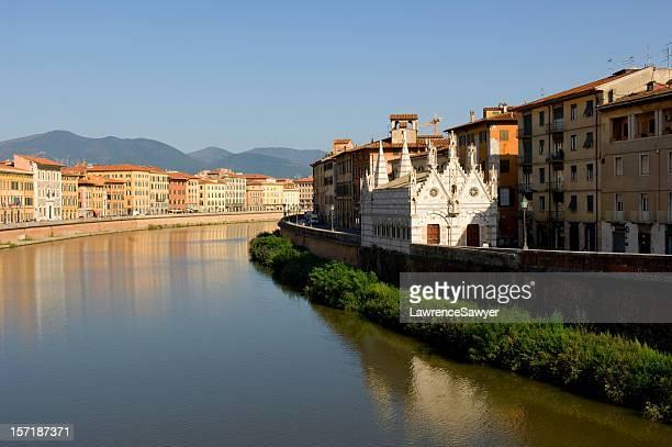 Pisa Italia sul fiume Arno