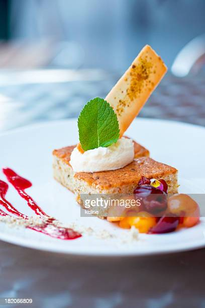 Coulis Stock Photos and Pictures | Getty Images