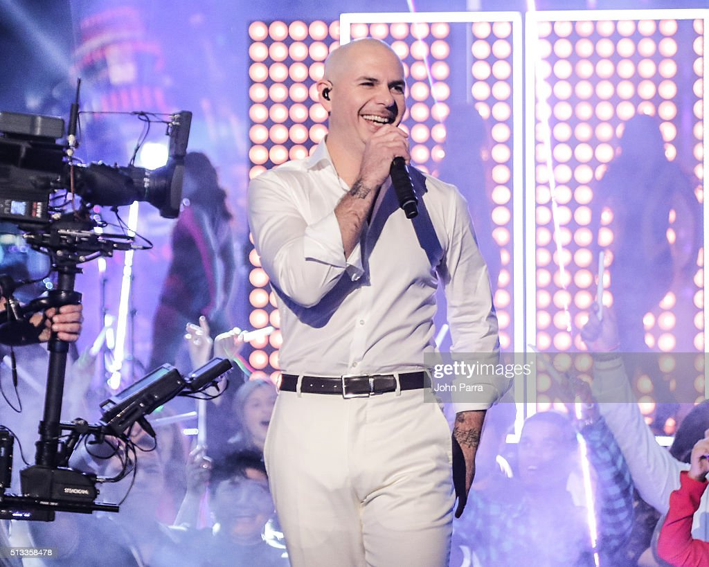 "Pitbull Performs On Univision's ""Nuestra Belleza Latina"""