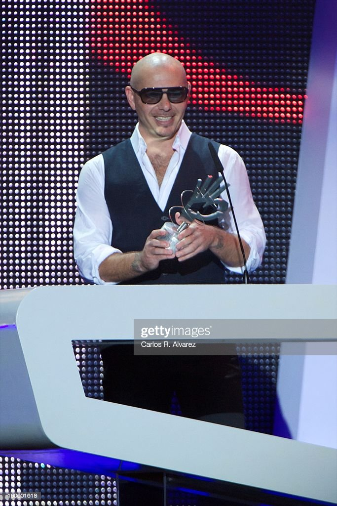 Pitbull receives the '40 Principales' award during '40 Principales Awards' 2012 at Palacio de los Deportes on January 24, 2013 in Madrid, Spain.