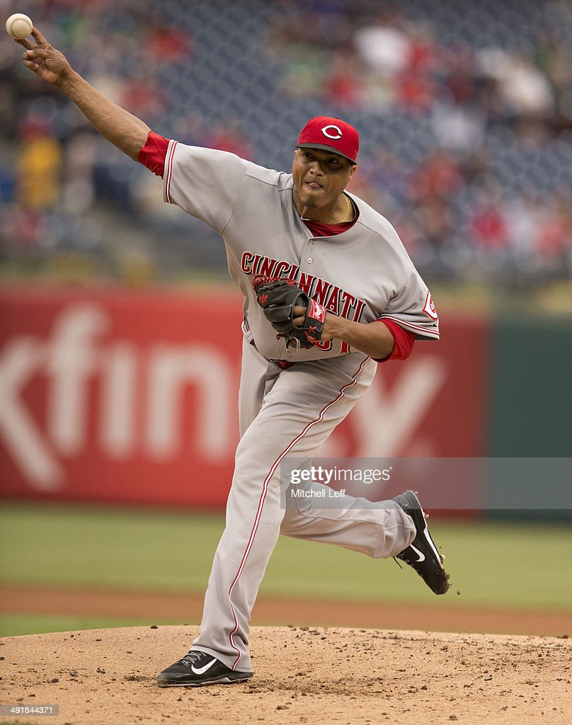 Pitcher <a gi-track='captionPersonalityLinkClicked' href=/galleries/search?phrase=Alfredo+Simon&family=editorial&specificpeople=2530426 ng-click='$event.stopPropagation()'>Alfredo Simon</a> #31 of the Cincinnati Reds throws a pitch in the bottom of the first inning against the Philadelphia Phillies on May 16, 2014 at Citizens Bank Park in Philadelphia, Pennsylvania.