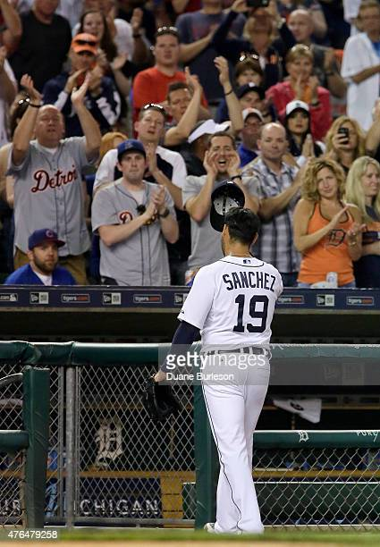 Pitcher Anibal Sanchez of the Detroit Tigers tips his cap to the crowd as he leaves the game against the Chicago Cubs with a 60 lead during the...