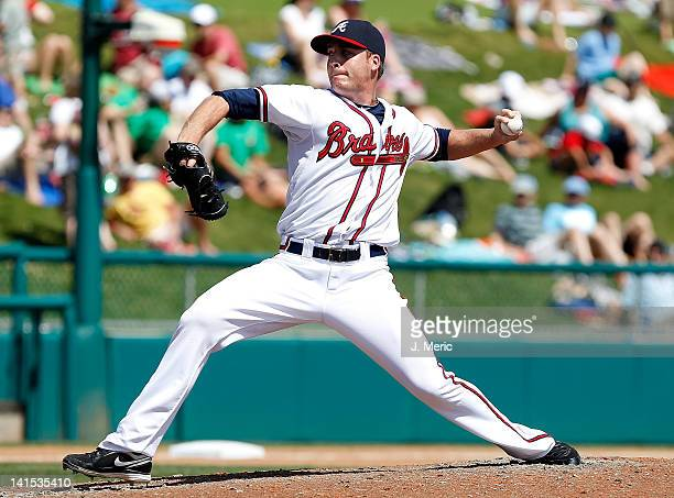 Pitcher Eric O'Flaherty of the Atlanta Braves pitches against the Baltimore Orioles during a Grapefruit League Spring Training Game at Champion...
