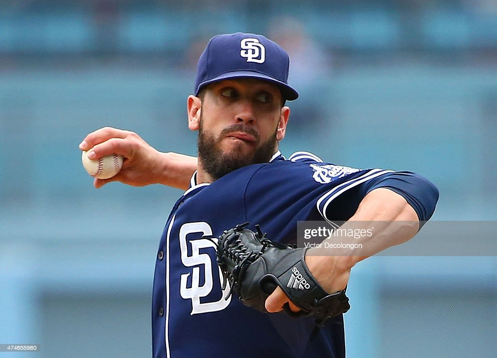 Pitcher <a gi-track='captionPersonalityLinkClicked' href=/galleries/search?phrase=James+Shields+-+Jugador+de+b%C3%A9isbol&family=editorial&specificpeople=8138267 ng-click='$event.stopPropagation()'>James Shields</a> #33 of the San Diego Padres pitches in the first inning during the MLB game against the Los Angeles Dodgers at Dodger Stadium on May 24, 2015 in Los Angeles, California.