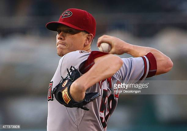 Pitcher Jeremy Hellickson of the Arizona Diamondbacks pitches in the first inning during the MLB game against the Arizona Diamondbacks at Angel...