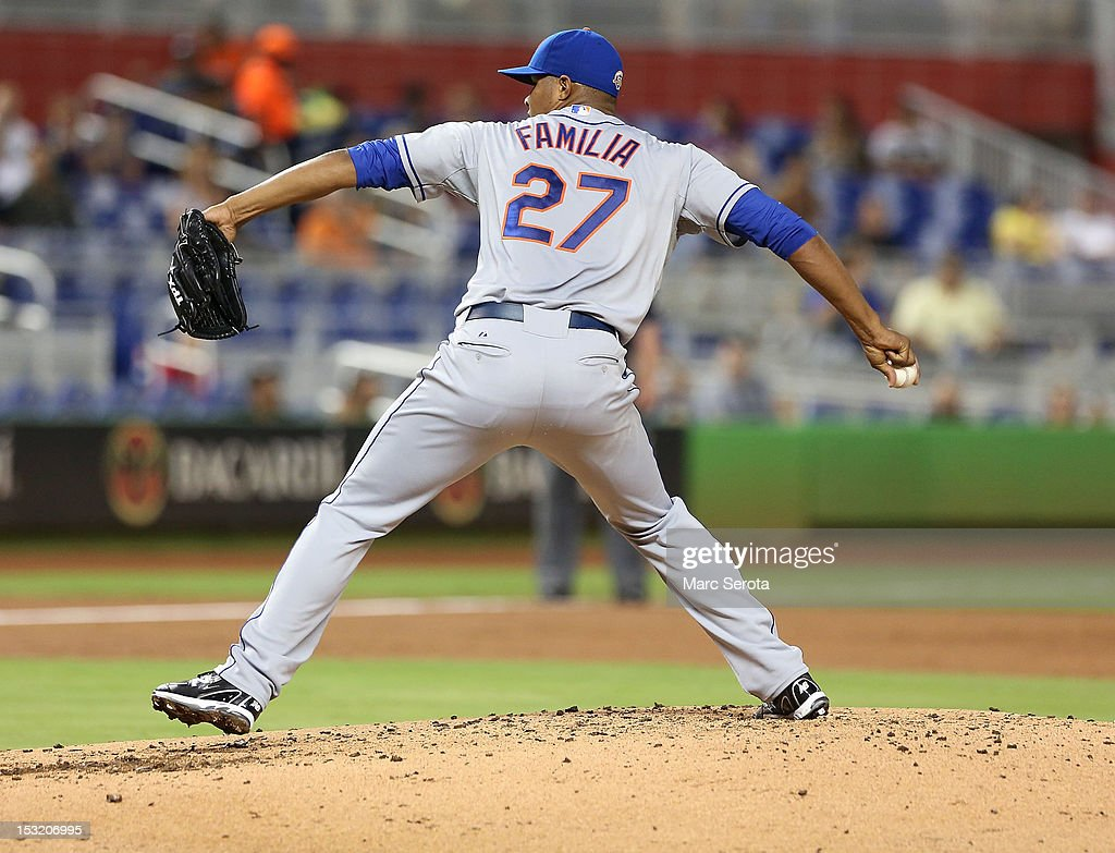 Pitcher Jeurys Familia #27 of the New York Mets throws against the Miami Marlins at Marlins Park on October 1, 2012 in Miami, Florida.