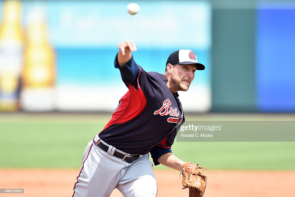 Pitcher Jim Johnson #53 of the Atlanta Braves pitches during a spring training game against the Pittsburgh Pirates on March 26, 2015 at McKechnie Field in Bradenton, Florida.