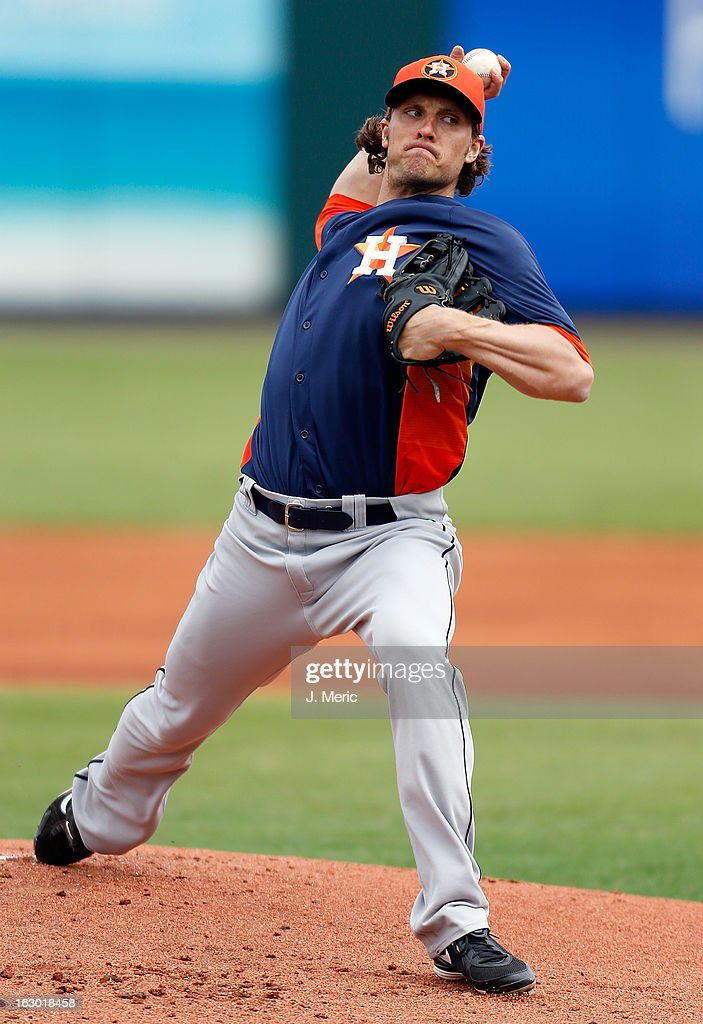Pitcher <a gi-track='captionPersonalityLinkClicked' href=/galleries/search?phrase=John+Ely&family=editorial&specificpeople=6917427 ng-click='$event.stopPropagation()'>John Ely</a> #39 of the Houston Astros pitches against the Pittsburgh Pirates during a Grapefruit League Spring Training Game at McKechnie Field on March 3, 2013 in Bradenton, Florida.