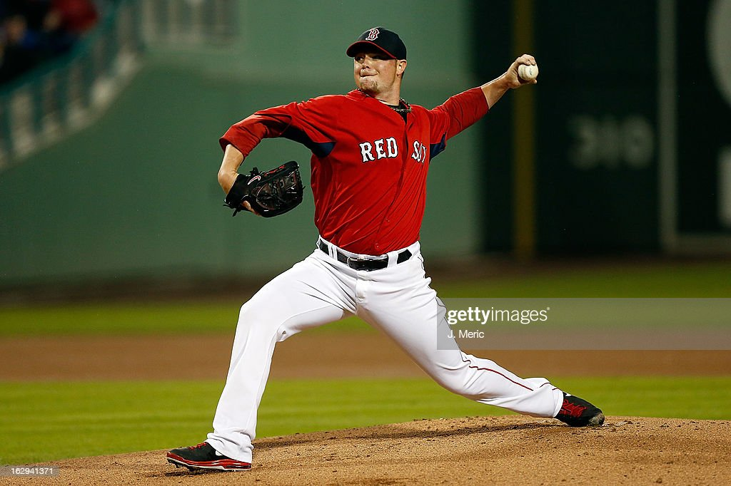 Pitcher <a gi-track='captionPersonalityLinkClicked' href=/galleries/search?phrase=Jon+Lester&family=editorial&specificpeople=832746 ng-click='$event.stopPropagation()'>Jon Lester</a> #31 of the Boston Red Sox pitches against the Pittsburgh Pirates during a Grapefruit League Spring Training Game at JetBlue Park on March 1, 2013 in Fort Myers, Florida.