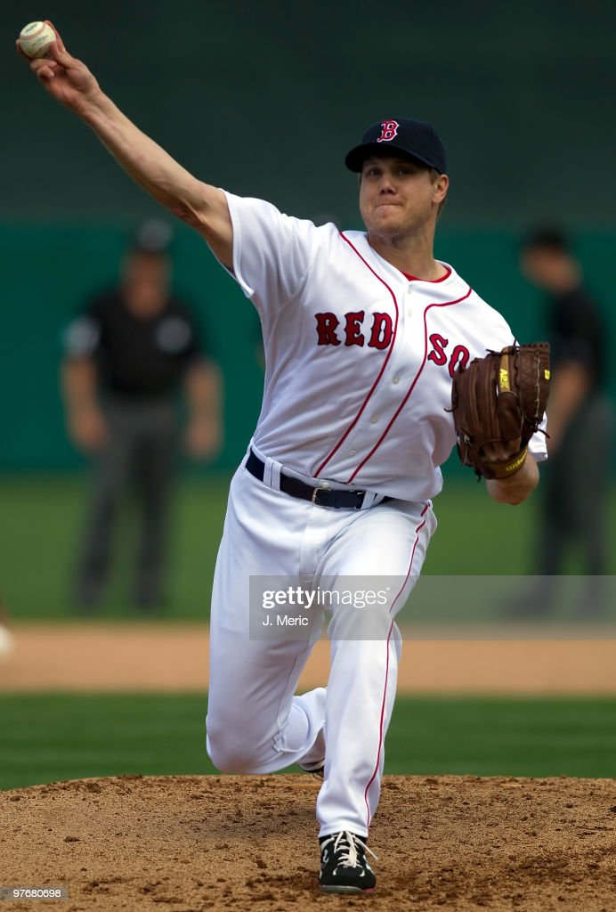 Pitcher Jonathan Papelbon of the Boston Red Sox pitches against the Pittsburgh Pirates during a Grapefruit League Spring Training Game at City of...