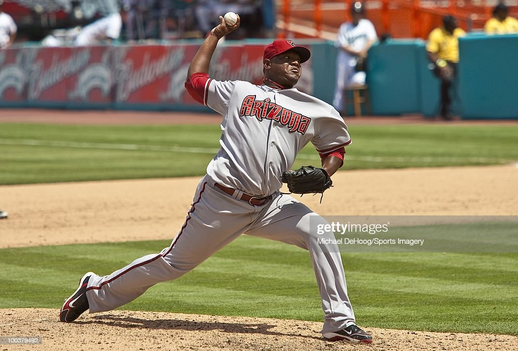 Pitcher Juan Gutierrez #58 of the Arizona Diamondbacks pitches during a MLB game against the Florida Marlins in Sun Life Stadium on May 18, 2010 in Miami, Florida.