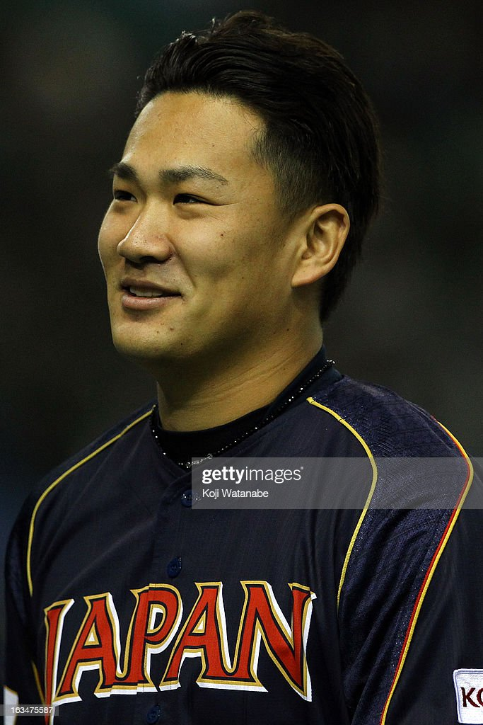 Pitcher <a gi-track='captionPersonalityLinkClicked' href=/galleries/search?phrase=Masahiro+Tanaka&family=editorial&specificpeople=5492836 ng-click='$event.stopPropagation()'>Masahiro Tanaka</a> #17 of Japan looks on the World Baseball Classic Second Round Pool 1 game between Japan and the Netherlands at Tokyo Dome on March 10, 2013 in Tokyo, Japan.