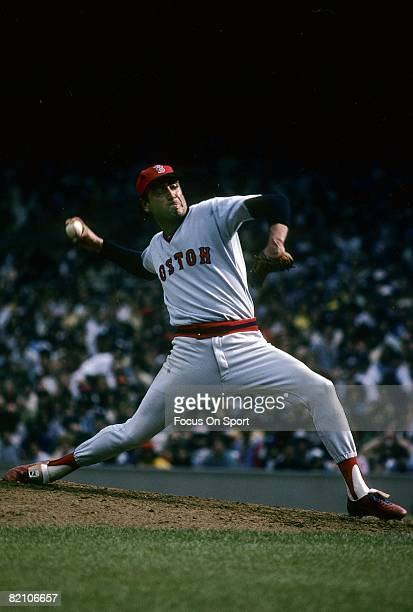 Pitcher Mike Torrez of the Boston Red Sox pitches against the New York Yankees during circa 1982 Major League Baseball game at Yankee Stadium in...