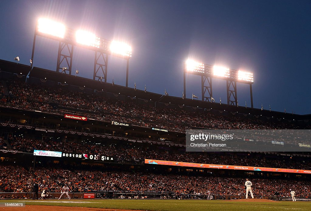 Pitcher <a gi-track='captionPersonalityLinkClicked' href=/galleries/search?phrase=Ryan+Vogelsong&family=editorial&specificpeople=670011 ng-click='$event.stopPropagation()'>Ryan Vogelsong</a> #32 of the San Francisco Giants prepares to thow against the St. Louis Cardinals in Game Six of the National League Championship Series at AT&T Park on October 21, 2012 in San Francisco, California. The Giants defeated the Cardinals 6-1.