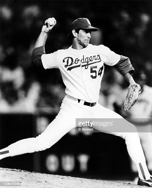 Pitcher Tim Leary of the Los Angeles Dodgers throws a pitch during an MLB game circa 1988 at Dodger Stadium in Los Angeles California