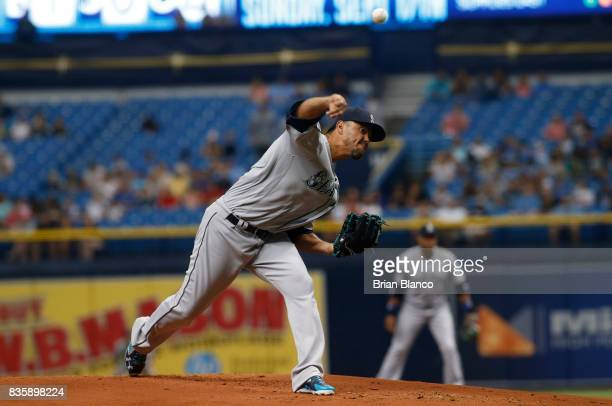 Pitcher Yovani Gallardo of the Seattle Mariners pitches during the first inning of a game against the Tampa Bay Rays on August 20 2017 at Tropicana...