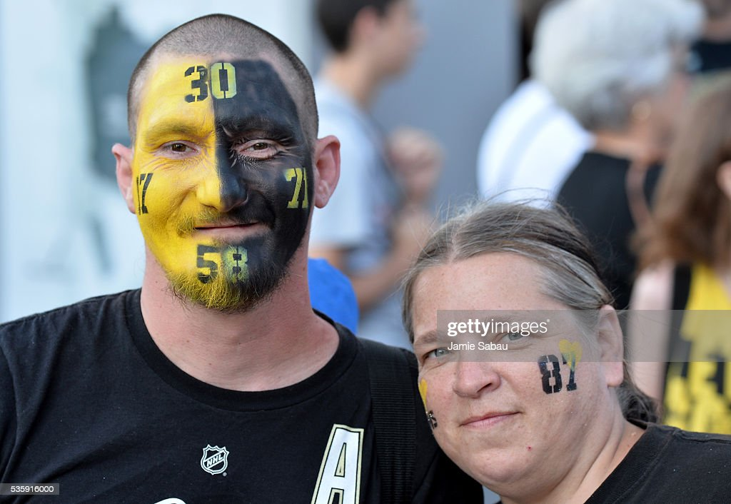 Pittsburgh Penguins fans pose prior to Game One of the 2016 NHL Stanley Cup Final between the Pittsburgh Penguins and the San Jose Sharks at Consol Energy Center on May 30, 2016 in Pittsburgh, Pennsylvania.
