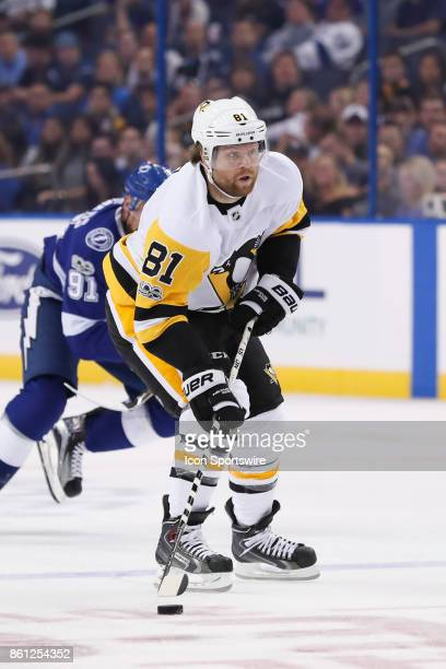 Pittsburgh Penguins right wing Phil Kessel skates with the puck in the 1st period of the NHL game between the Pittsburgh Penguins and Tampa Bay...
