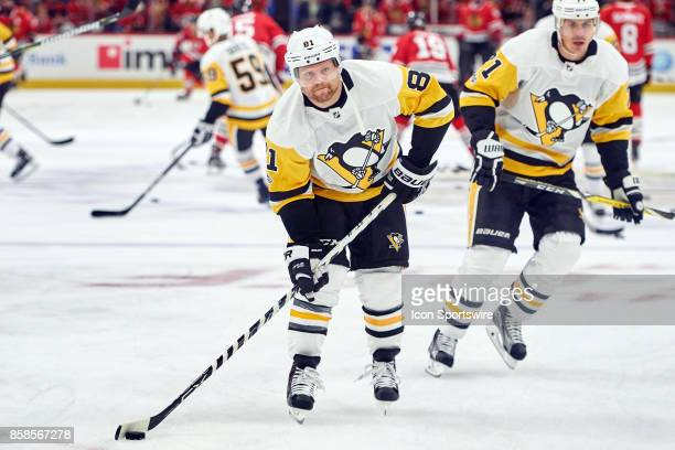 Pittsburgh Penguins right wing Phil Kessel warms up prior to the start of a game between the Chicago Blackhawks and the Pittsburgh Penguins on...