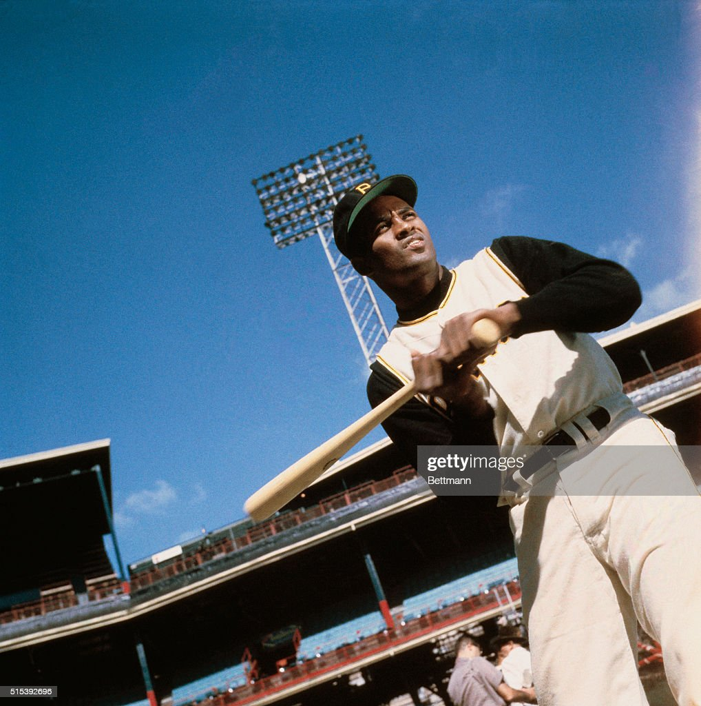 Pittsburgh Pirate <a gi-track='captionPersonalityLinkClicked' href=/galleries/search?phrase=Roberto+Clemente&family=editorial&specificpeople=206918 ng-click='$event.stopPropagation()'>Roberto Clemente</a> in Batting Pose