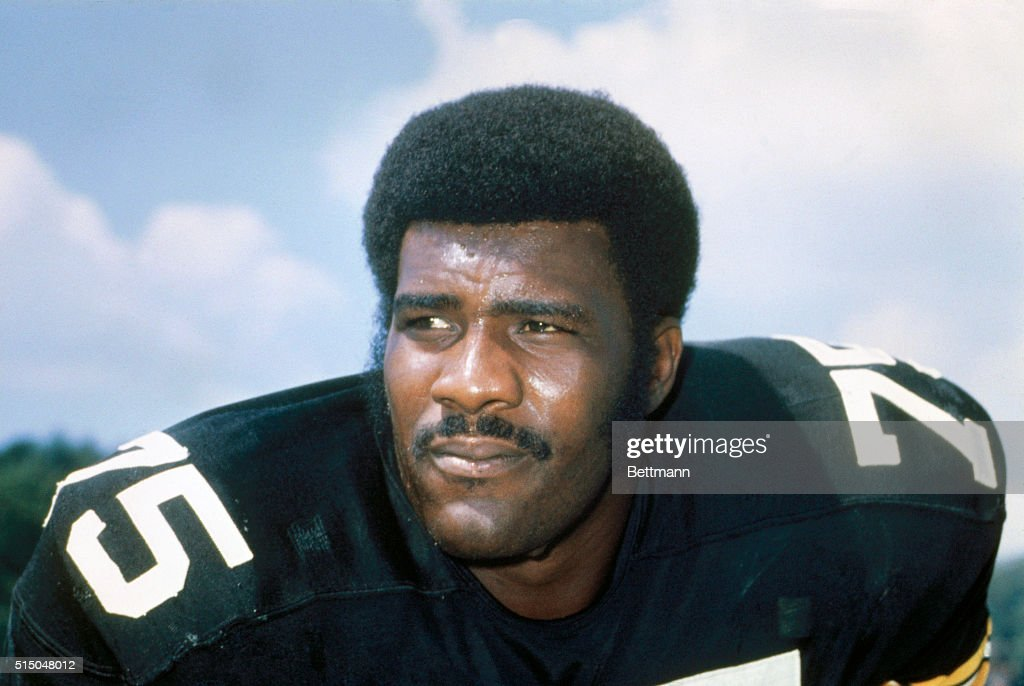 Pittsburgh Steelers defensive tackle Joe Greene