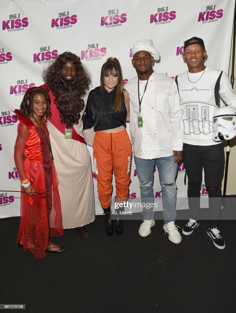 Pittsburgh Steelers JuJu Smith-Schuster, Josh Dobbs, Arthur Moats, and Daya pose backstage during the Kiss 96.1 Halloween Party 2017 at Stage AE on October 27, 2017 in Pittsburgh, Pennsylvania.