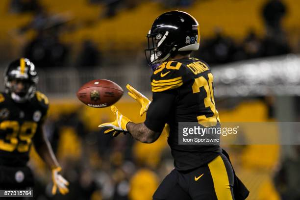 Pittsburgh Steelers Running Back James Conner catches a pass in pregame during the game between the Tennessee Titans and the Pittsburgh Steelers on...