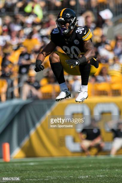 Pittsburgh Steelers Running Back James Conner jumps up and gets loose during a preseason game between the Atlanta Falcons and the Pittsburgh Steelers...