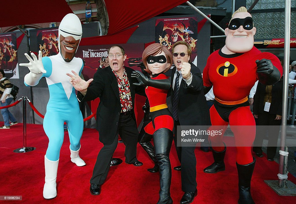 Pixar's John Lasseter and director Brad Bird arrive at the premiere of Disney's 'The Incredibles' on October 24 2004 at the El Capitan Theatre in Los...