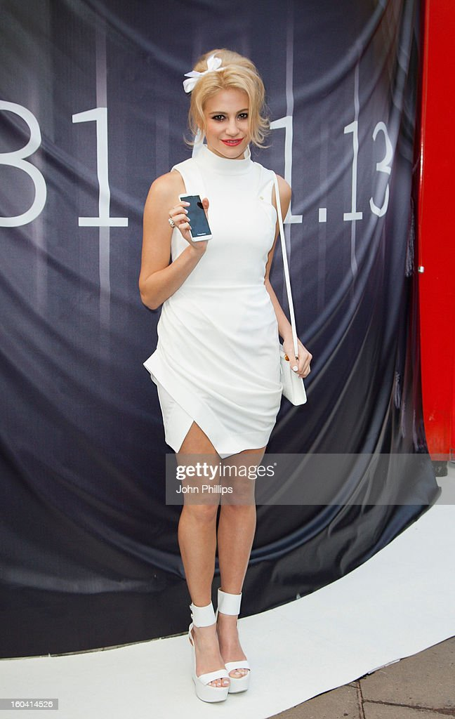 Pixie Lott attends a photocall to launch the new BlackBerry 10 at Phones4u, Oxford Street on January 31, 2013 in London, England.